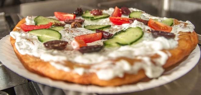 Pizza-kieu-Hungary-cua-Langos