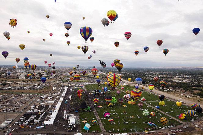 Khinh-khi-cau-tren-khong-Balloon-Fiesta