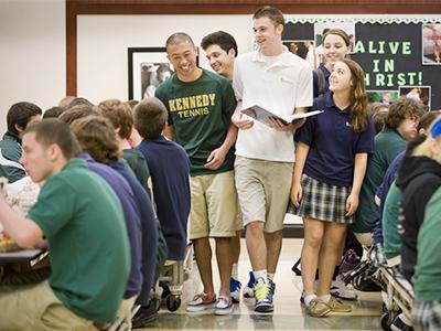 Tại sao nhiều bậc phụ huynh cho con du học cấp 2 tại Mỹ?