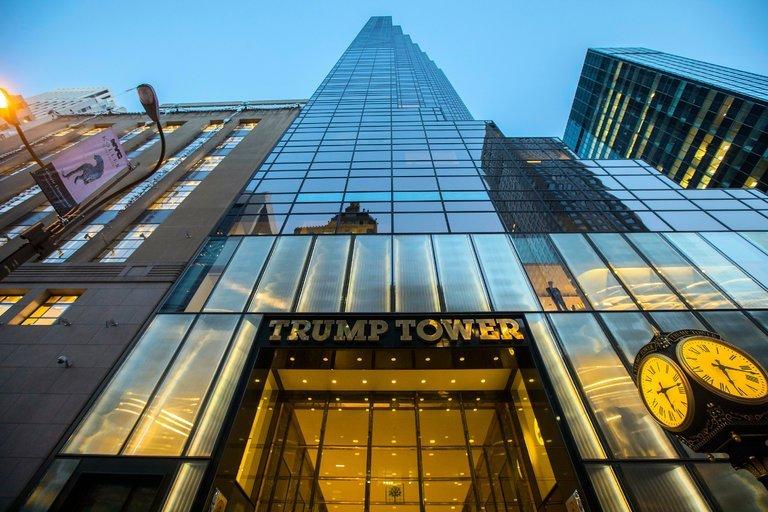 kham-pha-trump-tower-toa-nha-de-nhan-biet-nhat-new-york-1