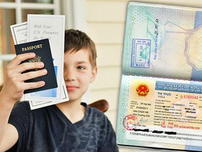 Phải làm gì khi trẻ em đi máy bay không có giấy khai sinh?